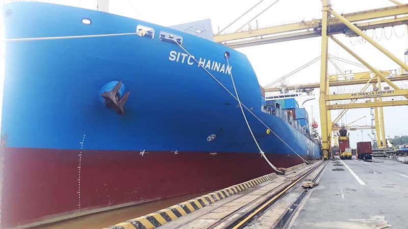 Cảng Đà Nẵng thiết lập một kỷ lục mới về sản lượng xếp dỡ cho một tàu container