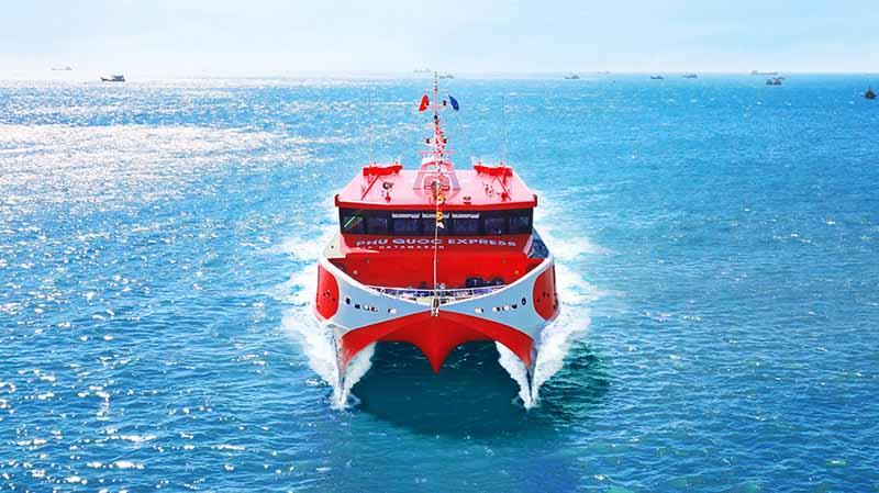 Ban hành 3 Quy chuẩn kỹ thuật quốc gia về phân cấp và đóng tàu biển cao tốc, hệ thống điều khiển tự động và từ xa và hoạt động kéo trên biển