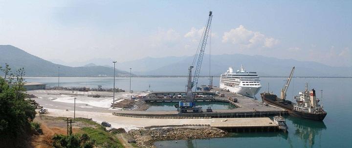 Nâng cao hoạt động đón khách tàu biển tại Cảng Chân Mây: Hướng phát triển bền vững