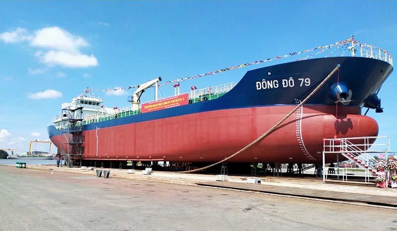 Tàu dầu 5000 m3 Đông Đô 79